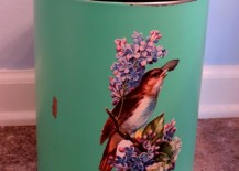 Gorgeous-cottage-style-trash-can-217x155