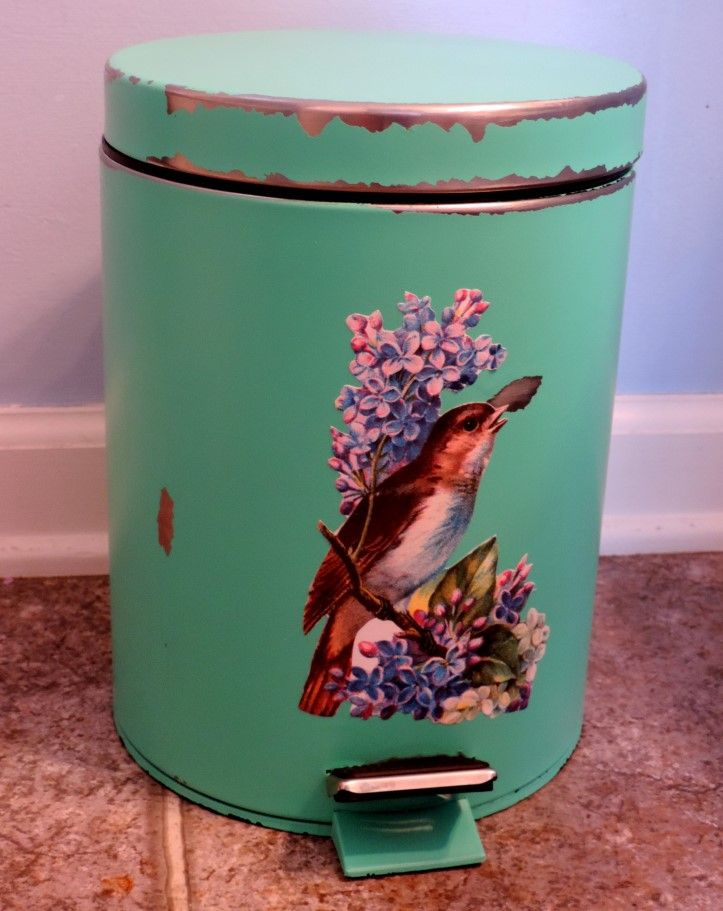 Gorgeous cottage-style trash can