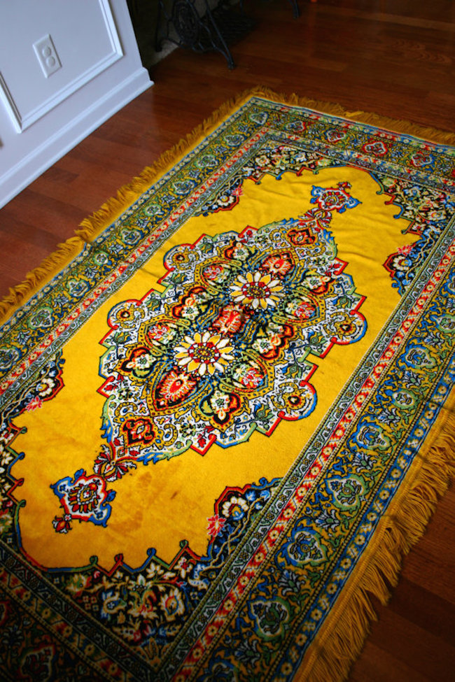Gorgeous vintange yellow golden rug