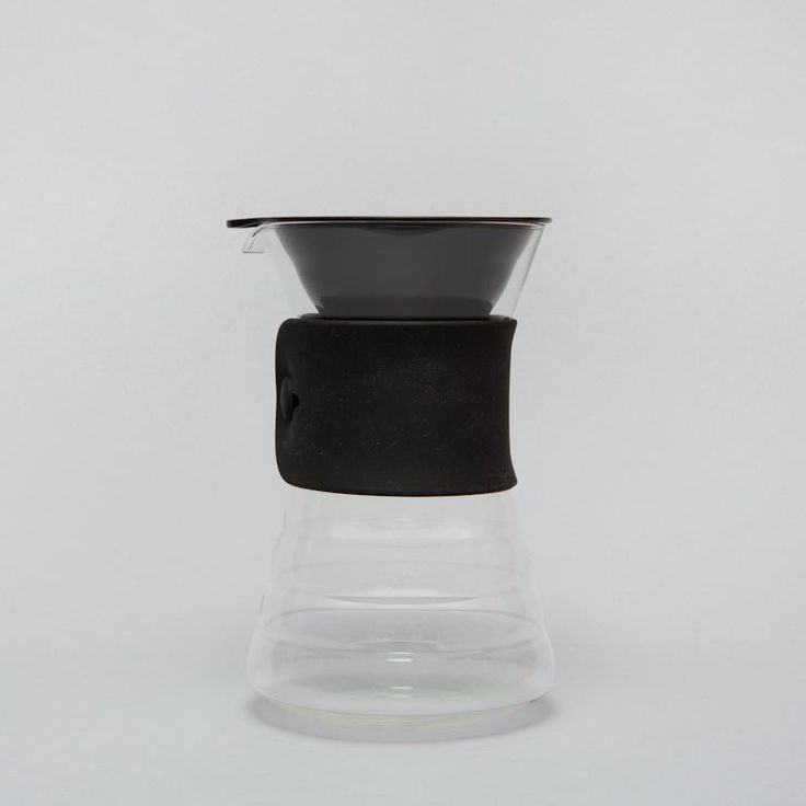 Hario drip decanter with rubber band and plastic dripper