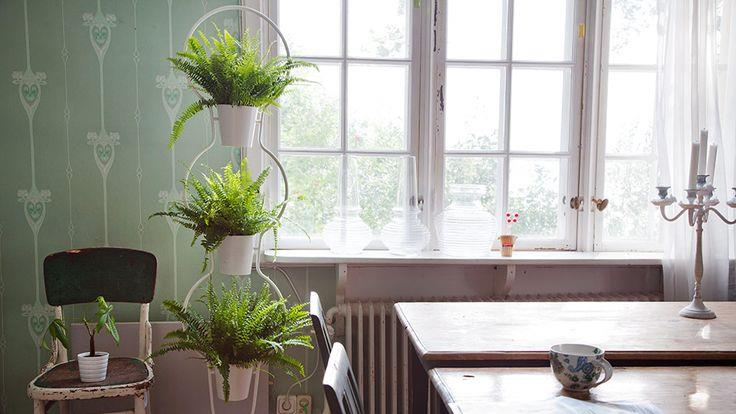 Plant stand style with a modern twist for Stand de fruits ikea