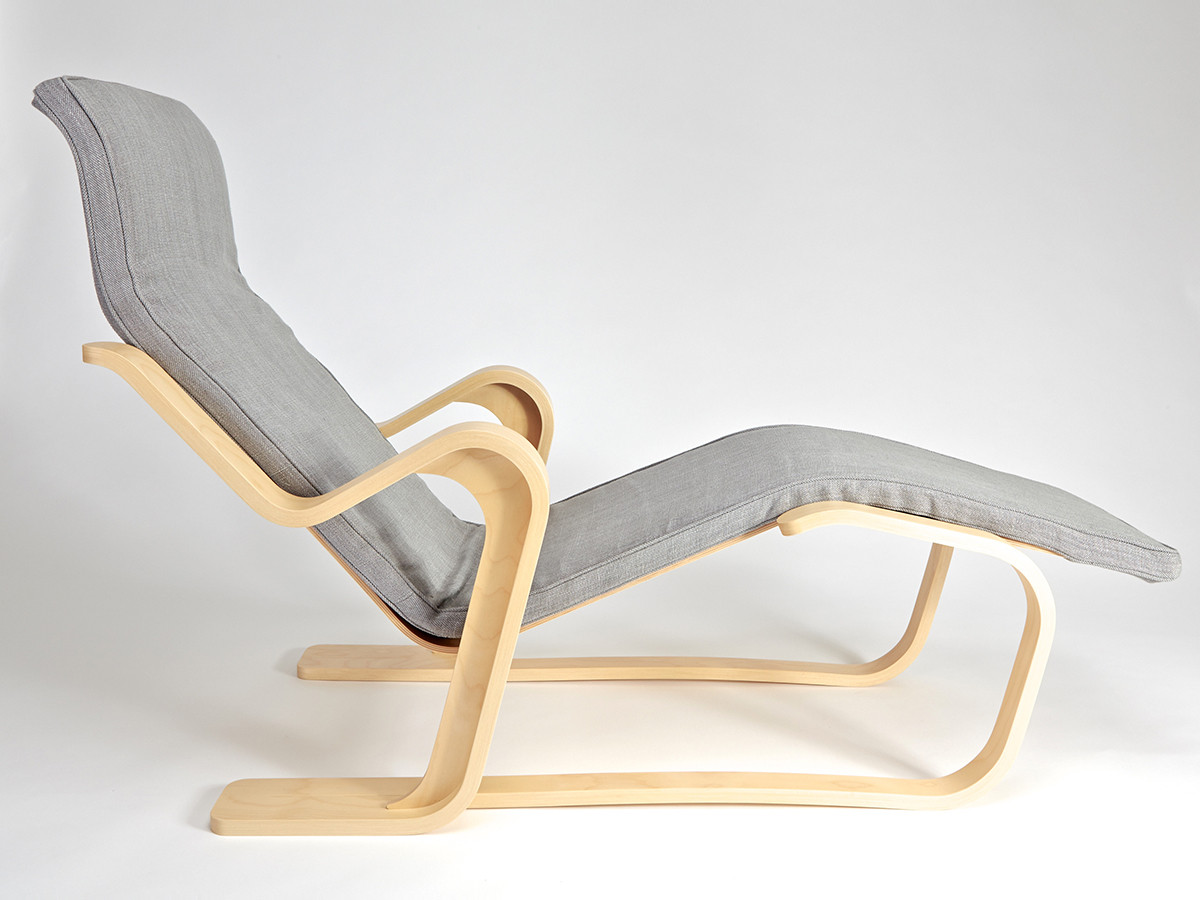 Isokon Plus Long Chair with seat pad in Bute Fabric