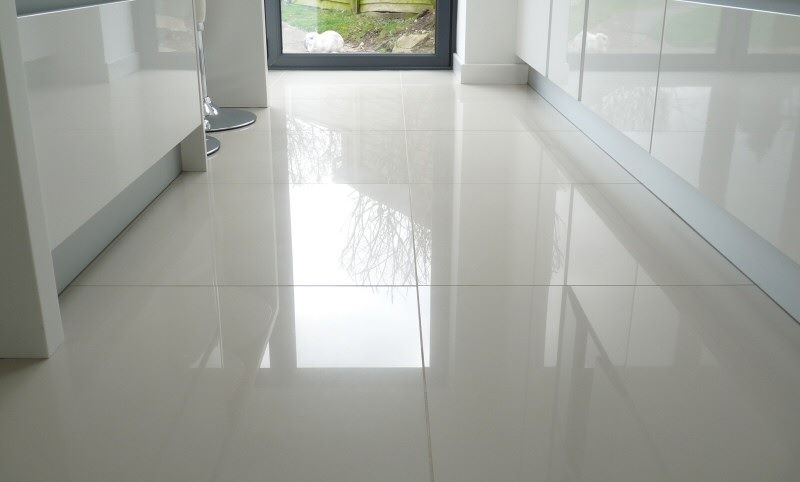 Large floor tile with shine