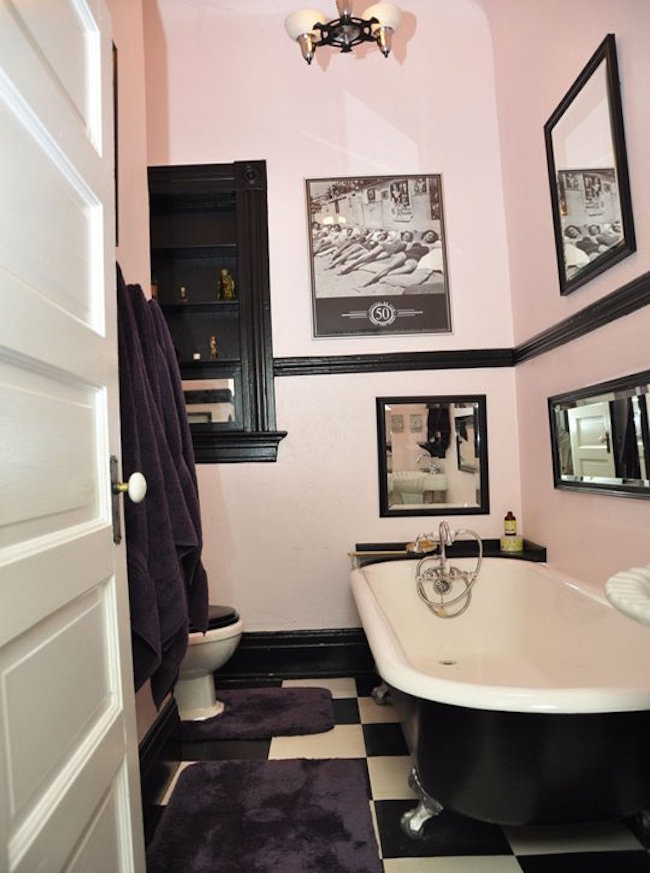 Etonnant View In Gallery Light Pink And Black Bathrom With Retro Wall Art