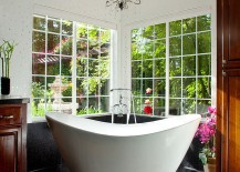 Lovely contrast between dark and light elements in the contemporary bathroom