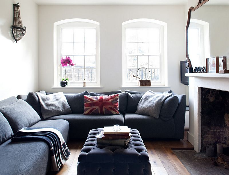 Making most of the limited space available in the living room [From: Paul Craig Photography]