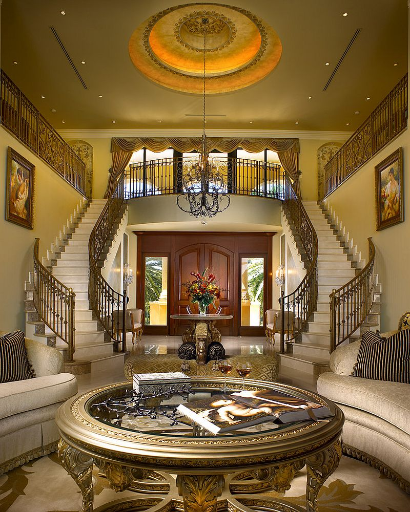 Mediterranean mansion with an entrance to remember clad in golden aura! [Design: Perla Lichi Design]