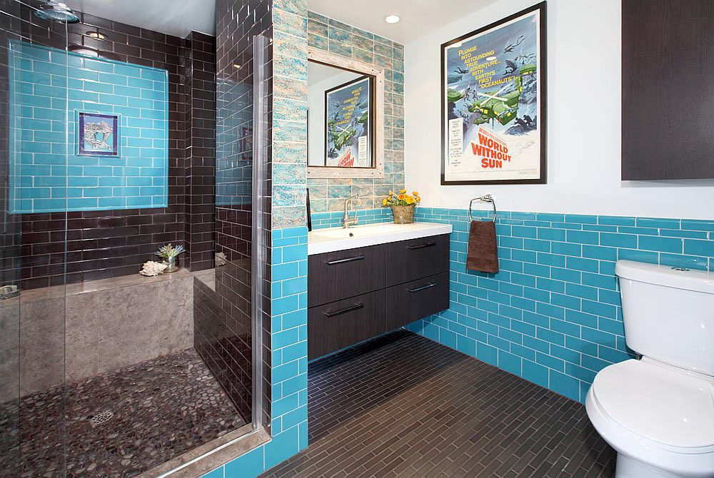 Modern bathroom in teal blue inspired by the Caribbean Sea