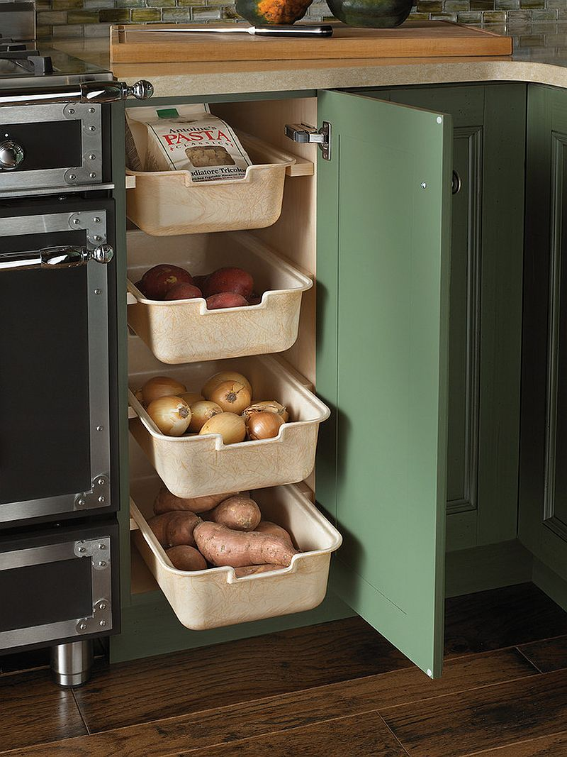 Perfect corner shelf idea for the traditional kitchen [Design: Wood-Mode Fine Custom Cabinetry]