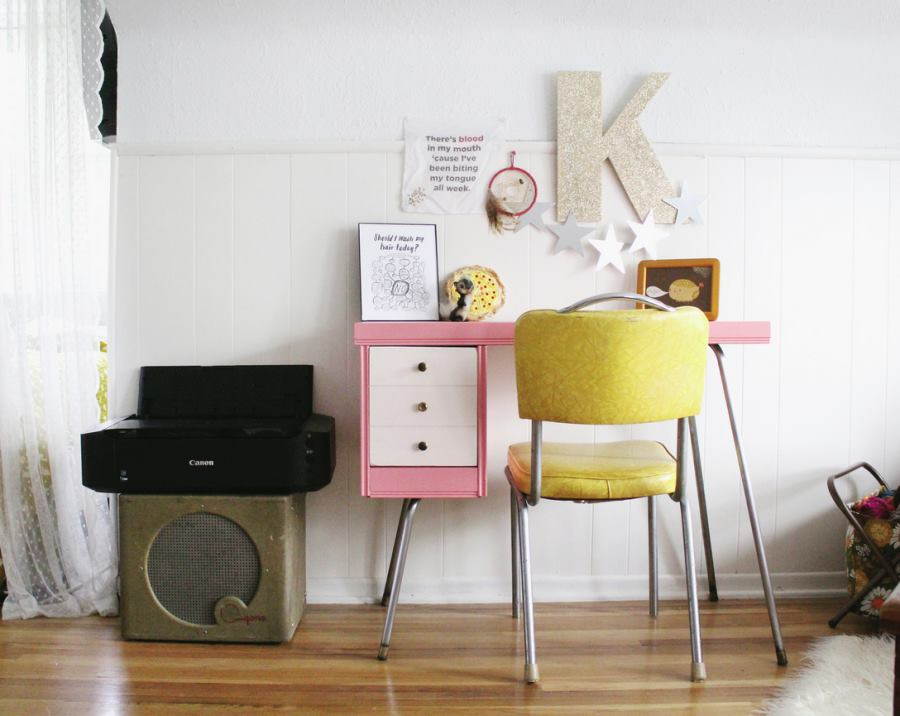 Pink painted desk from Skunkboy