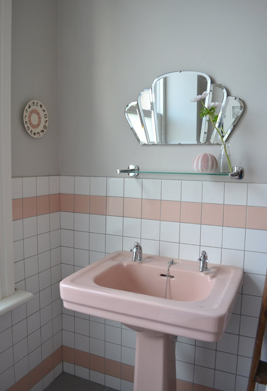... Pink Pedestal Sink In Retro Bathroom