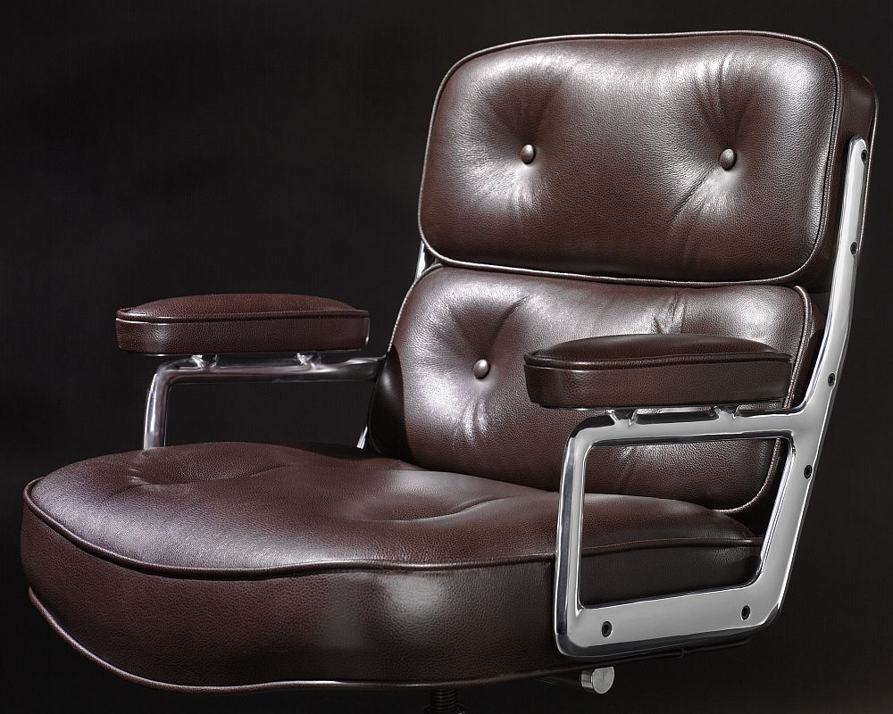 Plush Eames Executive Chair