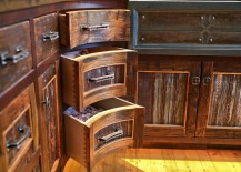 Rustic-kitchen-with-corner-drawers-that-complement-its-style-217x155