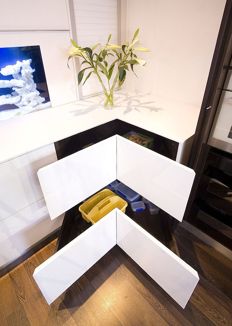 Sleek contemporary take on the classy corner drawers [Design: Glenvale Kitchens]