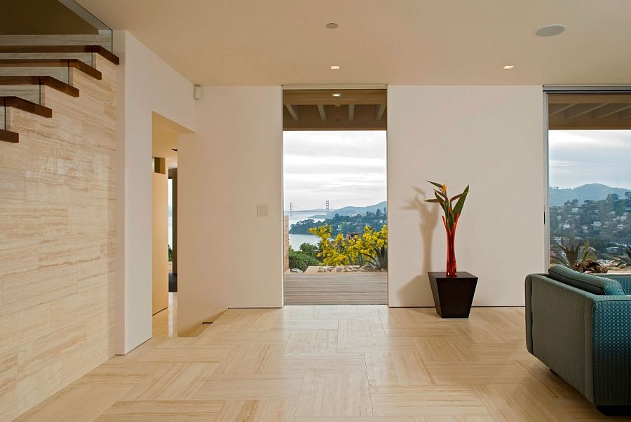 Sliding walls allow homeowners to switch between privacy and unabated views of San Francisco