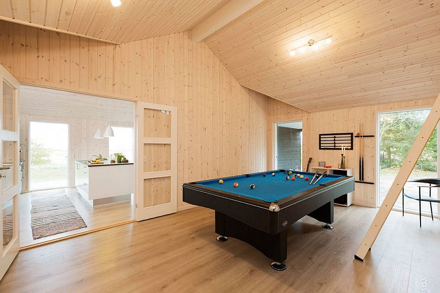 Spacious playroom with pool table