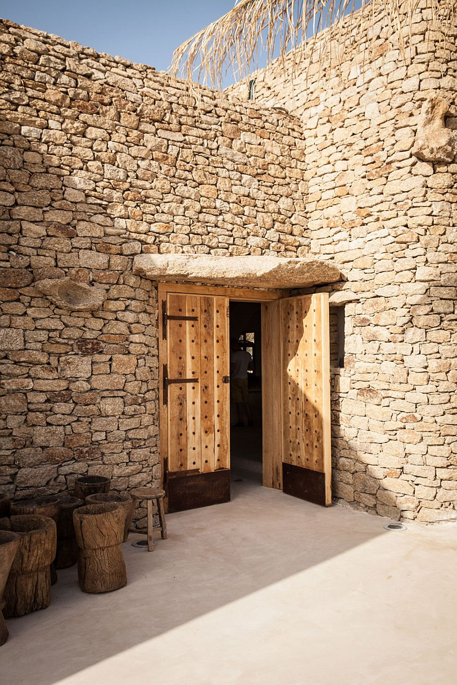 Stone structures bring back the 60s Greek flair