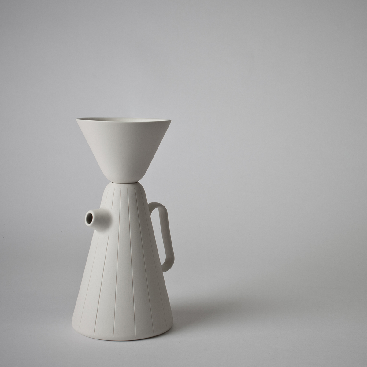 Sucabaruca coffee pot with funnel