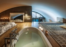 Talk about a relaxing nook hidden away from the world!