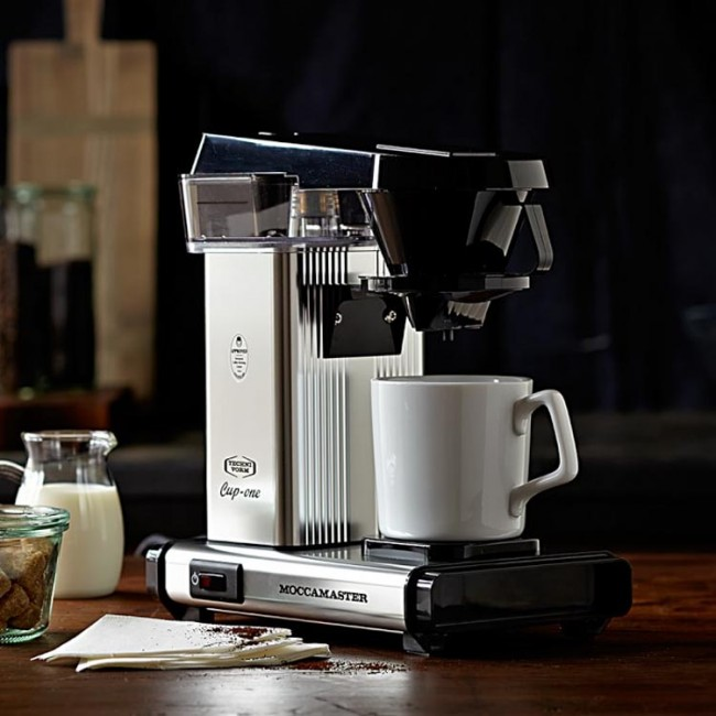 19 select high end coffee makers for the perfect cup of joe. Black Bedroom Furniture Sets. Home Design Ideas