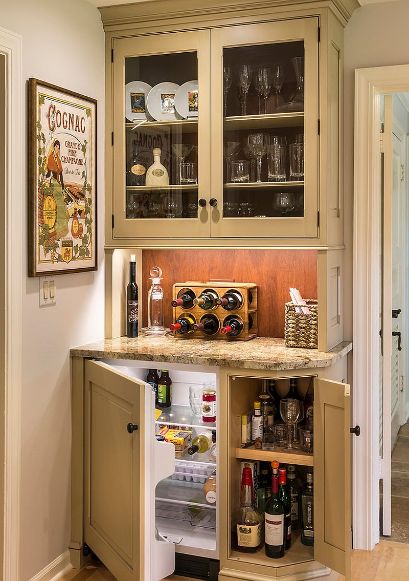 Tiny, functional home bar design [Design: Past Basket Design]