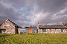 Torispardon Cottage nestled in Cairngorm Mountains and the Spey Valley