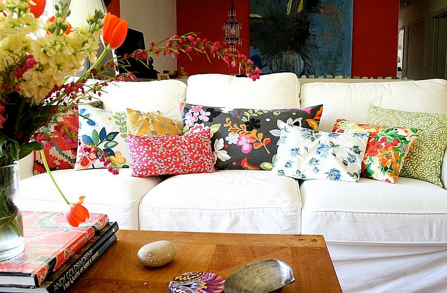 Touch of floral charm for the cool living room [From: Tamar Schechner/Nest Pretty Things]