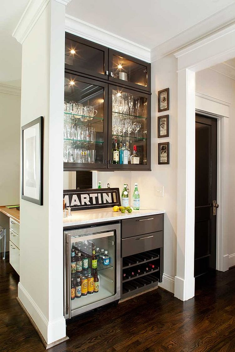 Turn the kitchen corner into an awesome home bar [Design: Terracotta Design Build]