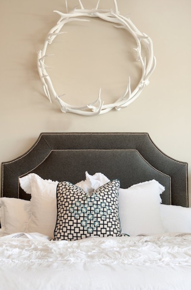 White antlers used as a wreath
