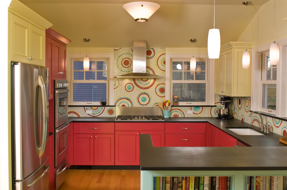 Beautiful backsplash with different colored mosaic circles