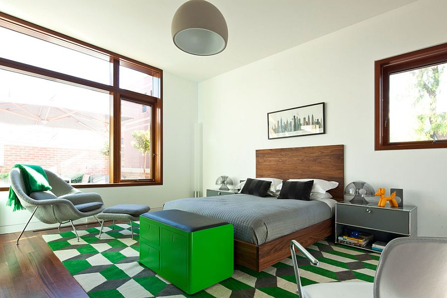 View in gallery Bedroom with green accents