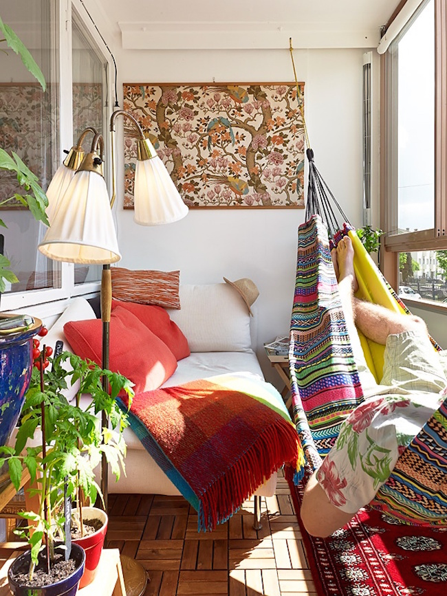 View In Gallery Bohemian Style Sunroom With Hammock