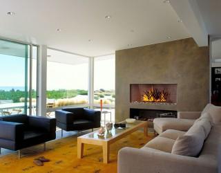 Clarkson Residence: Cheerful Modern Beach House in Santa Barbara