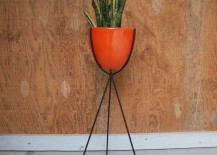 Bullet-plant-stand-from-Etsy-shop-Elements-of-Iron-and-Wood-217x155