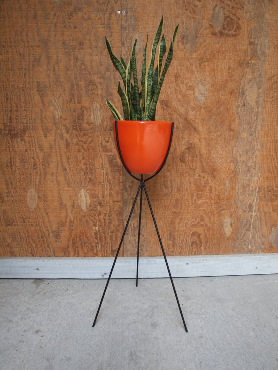 Bullet plant stand from Etsy shop Elements of Iron and Wood
