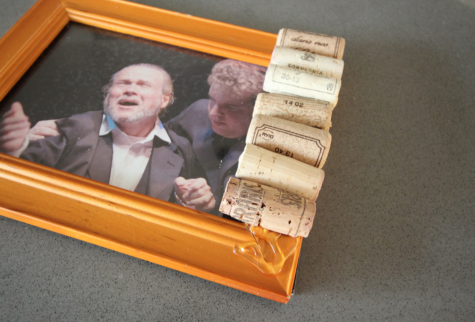Cork Pic Frame DIY Row of Corks