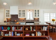 Cozy-traditional-kitchen-for-an-inviting-cottage-retreat-217x155