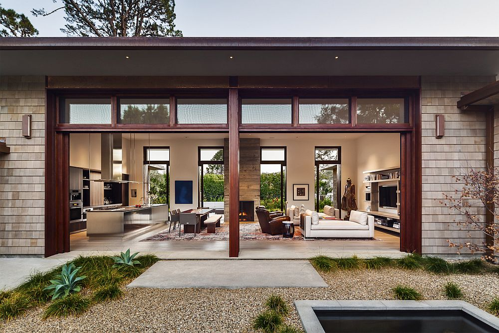 Custom made sliding doors bring the outdoors inside Thayer Residence: Breezy Santa Barbara Home Sheds Spotlight on a Stunning Courtyard