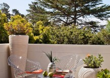 Decorating-idea-for-the-small-outdoor-deck-217x155