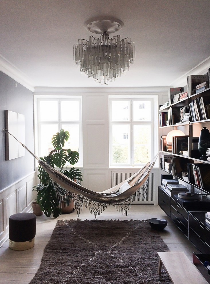 18 indoor hammocks to take a relaxing snooze in any time for Minimalist lifestyle