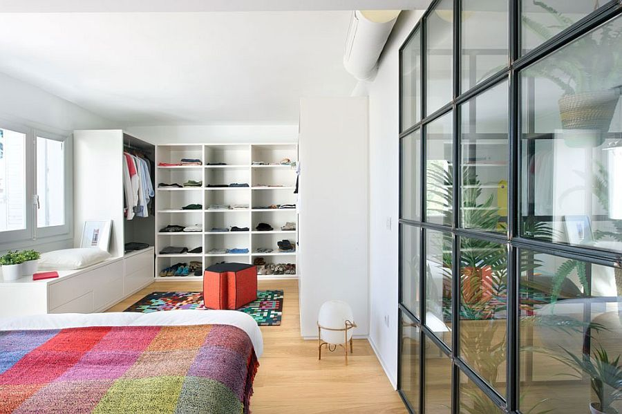 Ergonomic walk-in closet for the modern minimal bedroom