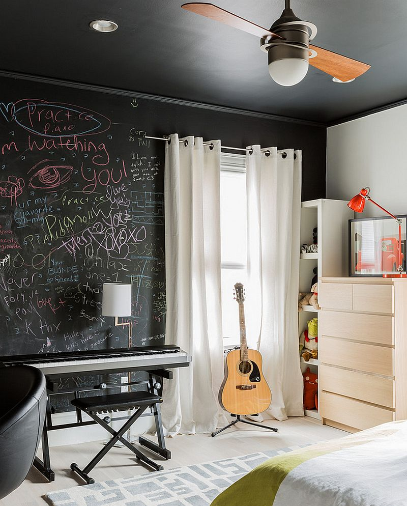 35 bedrooms that revel in the beauty of chalkboard paint for Wall designs with paint for a bedroom