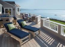 Extensive-and-luxurious-oceanfront-deck-design-217x155