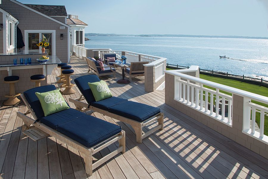 Extensive and luxurious oceanfront deck design [Design: Howell Custom Building Group]