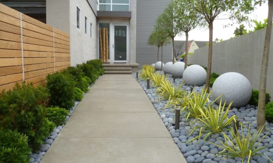 The Pros and Cons of Preventing Weeds with Landscape Fabric