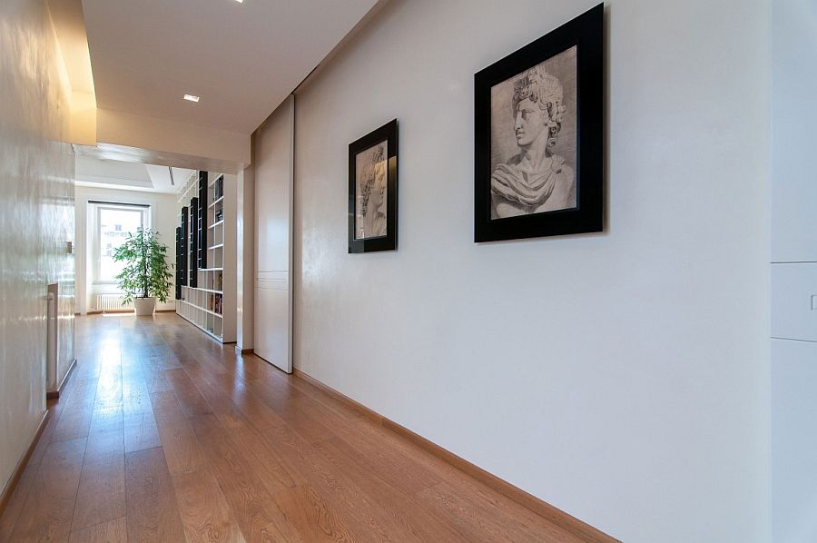 Gallery style walls for the hallway