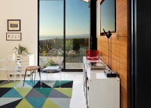 Geometric rug brings color to the interior