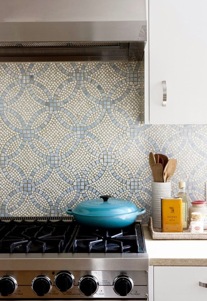 Gorgeous backplash mosaic with blue overlapping circles