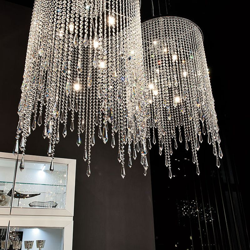 Gorgeous pendants in glass bring opulence to the interior