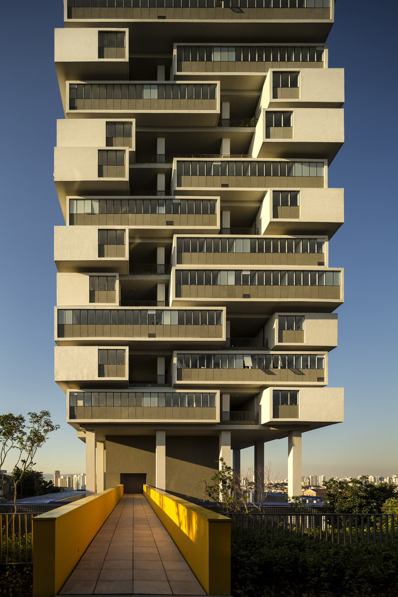 Isay Weinfeld 360 degree Building